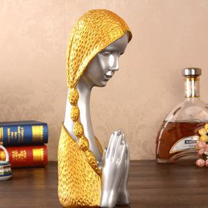 Resin Ornaments Praying Girl Sculpture Wine Cabinet Crafts Home Decorations -