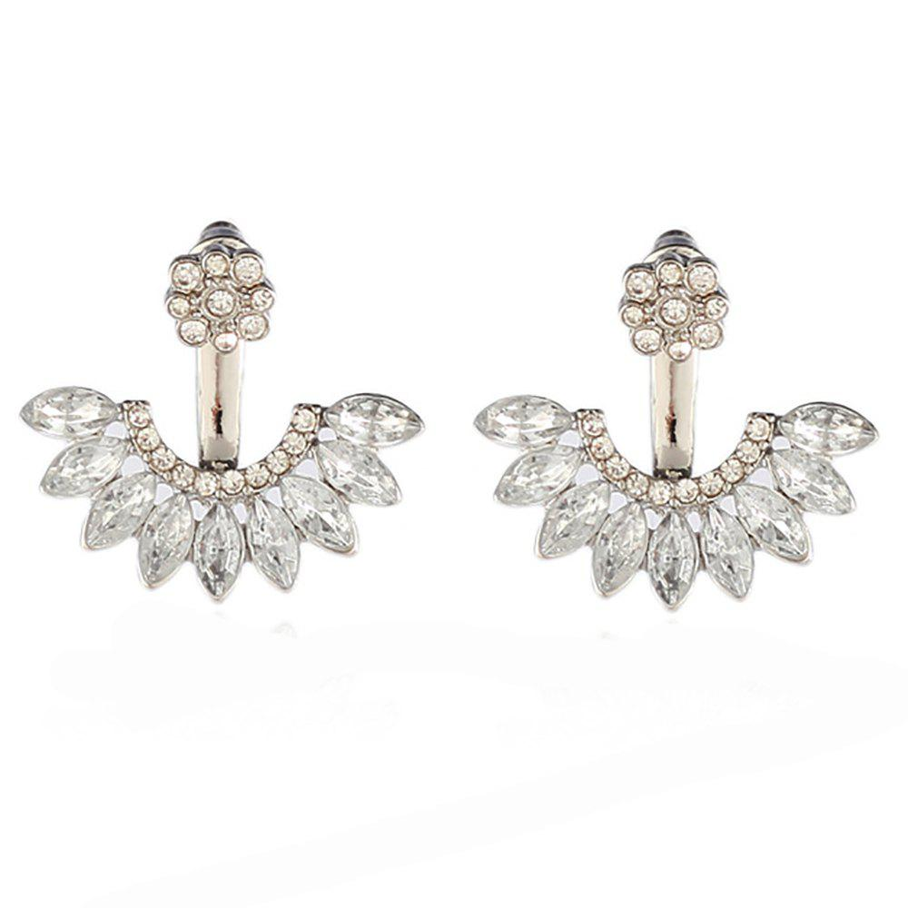 Discount Sweet and Fashionable Daisy Ear Stud Made of Zircon Alloy