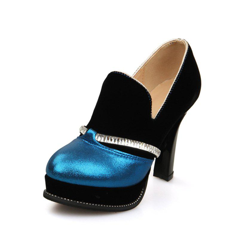 Hot Round Heads with High Heels and Fashionable Coloured Single Shoes