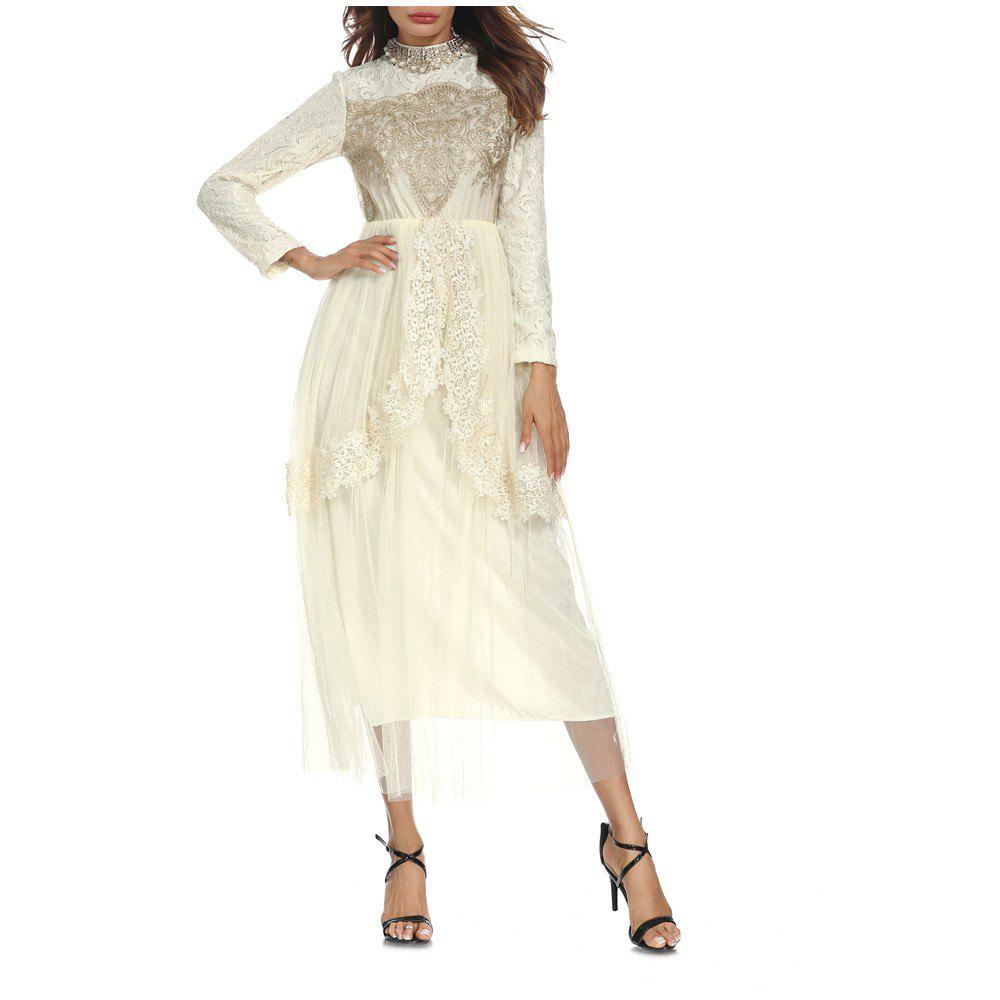 Discount A Long-Sleeved Lace Dress