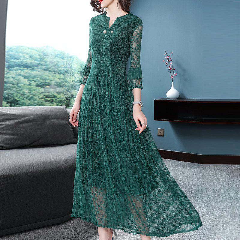 New Collar Button Slim Lace Pleated Dress
