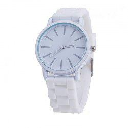 Montre de quartz de couleur bonbon mignon occasionnel simple de silicone -