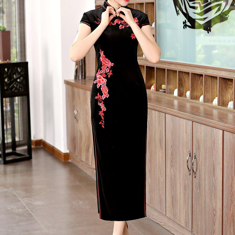 Latest Classical Aristocratic Style Flower and Bird Embroidery Cheongsam