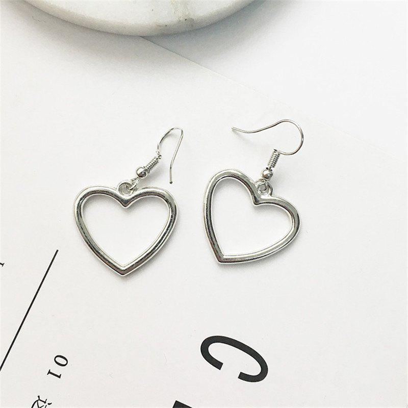 Outfit European Style Fashion Hollow Heart Shape Sweet Earrings