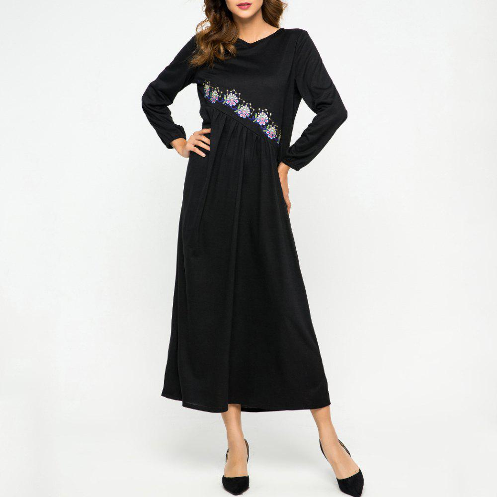 Store Embroidere Flower Loose Round Neck Dress