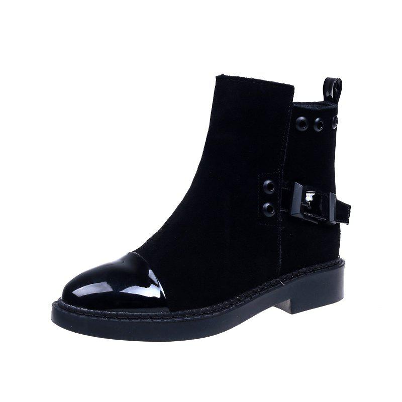 Chic Lowheeled Flatbottomed Boots