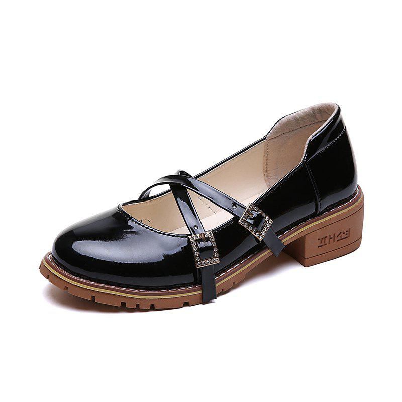 Chic Womens Casual Shoes on The Flat Bottom