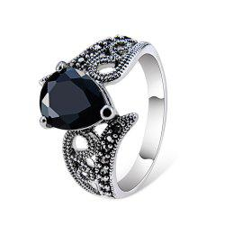 Silver-Plated Black Zircon Heart-Shaped Crystal Ring -